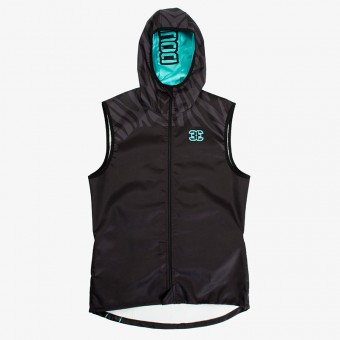 Man Sleeveless Jacket...